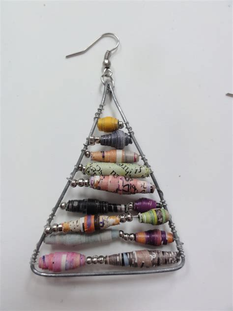 How To Make Earrings Out Of Paper - anthropologie inspired paper bead earrings 183 how to make a