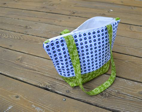 pattern tote bag with zipper simple zippered tote tutorial color girl quilts by