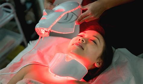 led light therapy benefits how led light therapy treatments can benefit your skin
