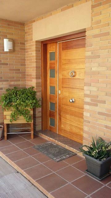 puertas de entradas de casas puerta de entrada chalet barcelona casa de co
