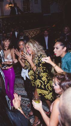 beyonce new years eve 2014 big fans beyonce continued the theme after opting to go