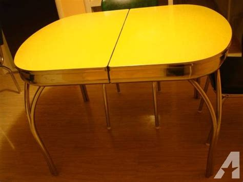 Vintage 50's Retro Formica Chrome Kitchen Table   4 Chairs
