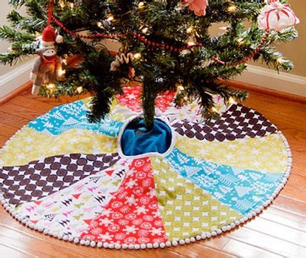when did xmas skirts appear quilted skirt i did a search babble tree skirts to find the info navidad