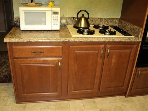 Refacing Laminate Kitchen Cabinets Laminate Countertop Thecabinetremodeler