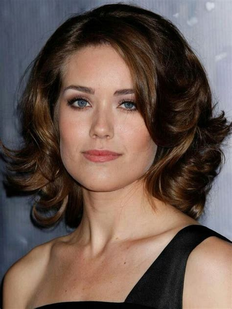 blacklist megan boone new hairstyle megan boone people pinterest colors the o jays and