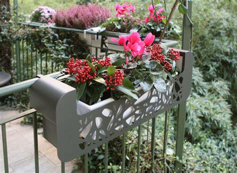 terrazzi con ringhiera fioriere per balconi hi fior