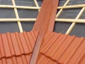 un assis dans la toiture leroy merlin