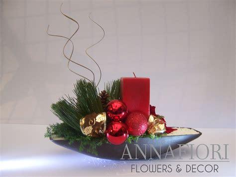 1000 images about centros de mesa on arreglo floral canoa con vela roja annafiori centros de mesa navide 241 os cl 225 sicos