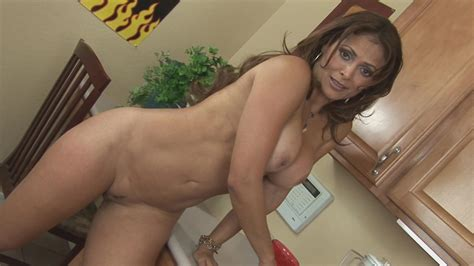 Sensational Solo Show With A Hot Milf Xbabe Video
