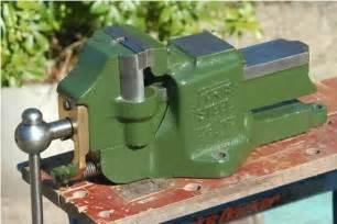 fortis steel double swivel jaw vise   bench vise