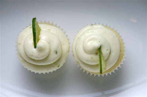 from the kitchen key lime pie cupcakes love cupcakes blog