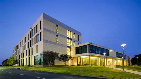 Ut Dallas Ranking Mba by Ut Dallas S Naveen Jindal School Of Management Has Some Of