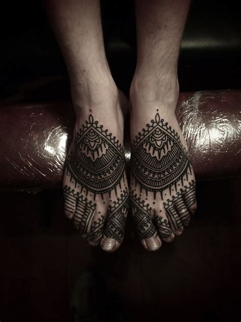 henna tattoo with india ink gorgeous black ink hinduism style henna on