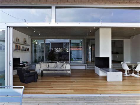 Decorating Ideas For Bathroom Walls An Open Plan House With A Quiet Garden Interiorzine