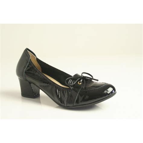 sabrinas sabrinas black patent leather heeled shoe with