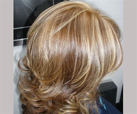 short blonde hair with brown highlights short curly brown hair blonde highlights medium hair