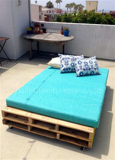 diy pallet bed projects multipurpose rolling diy pallet daybed your craft
