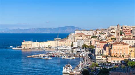 porti turistici italia i 10 porti turistici pi 249 belli d italia easyviaggio