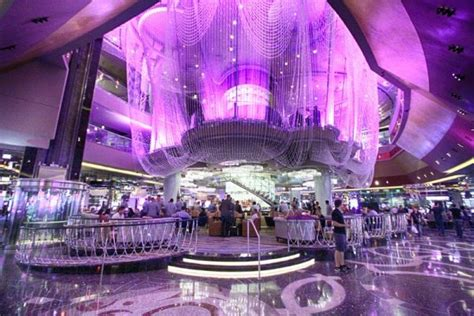 The Chandelier Bar The Most Beautiful Hotel Bars In The World Drinksfeed