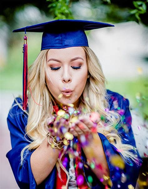 themes for graduation pictures 25 senior picture poses that will make you want to go back