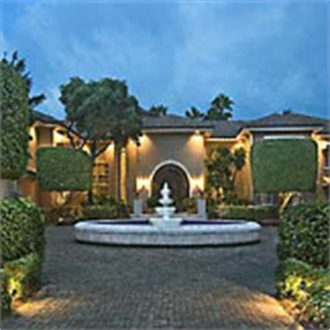 Gwen Stefani Pays 15 Million For Mansion by In Pictures Inside The Homes Of The