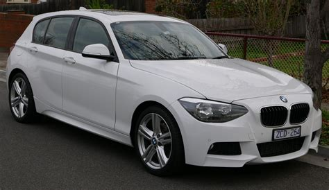 file 2012 bmw 125i f20 5 door hatchback 2015 07 03 01