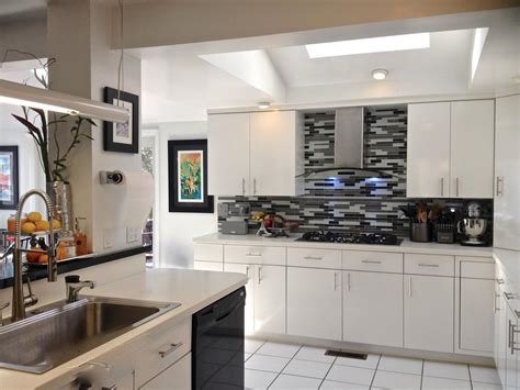 Black And White Kitchen Backsplash by Black And White Kitchen With Modern Cabinets And Glass