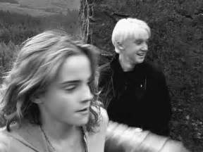 hermione granger punching draco malfoy gif harry potter