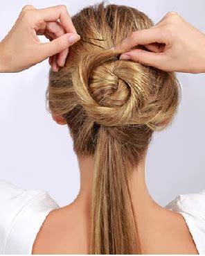 tutorial menguncir rambut tutorial rambut gaya cepol sederhana untuk santai hingga