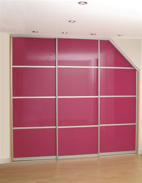 Angled Wardrobe Doors by Sliding Wardrobe Doors And Wardrobe Interiors Angled