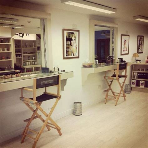 makeup room furniture 1000 ideas about makeup studio on makeup studio decor makeup room decor and vanity