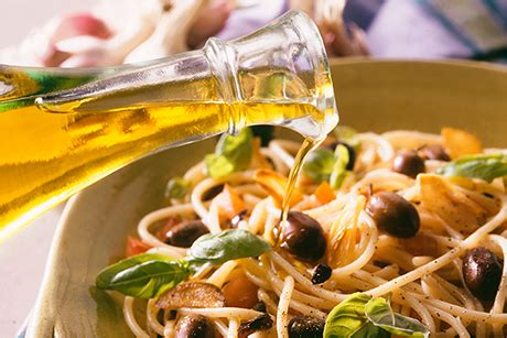 basic pasta sauces to know food network fall weeknight 5 simple olive oil pasta sauces