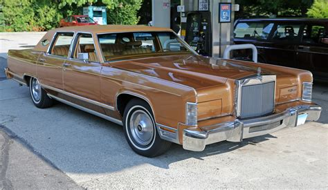 1978 lincoln town car parts file 1978 lincoln continental town car front right jpg