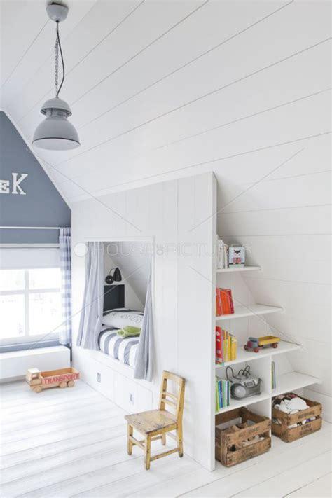 kinderzimmer ideen dachschrage jugendzimmer design m 228 dchen mit dachschr 228 ge das beste at