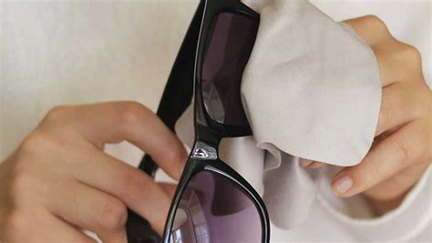 the right way to get rid of scratches on sunglasses