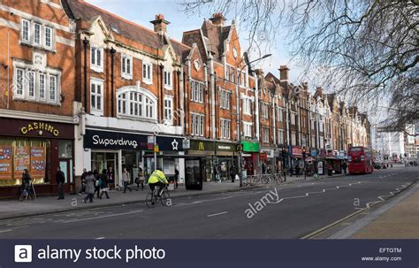 houses to buy in west london houses along uxbridge road on shepherd s bush common in west london stock photo