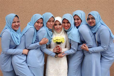 Baju Bridesmaid Biru 10 inspirasi warna baju bridesmaids ikahwin