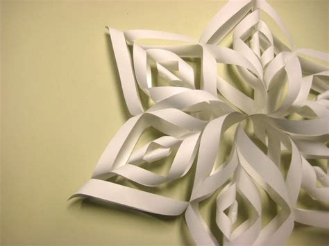 How To Make Large 3d Paper Snowflakes - beautiful paper snowflake 183 how to make a snowflake