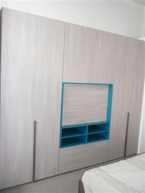 armadio con vano tv armadio style con vano tv e cassettiere di dielle modus