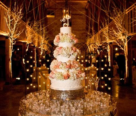 tips on barn decorating for wedding reception