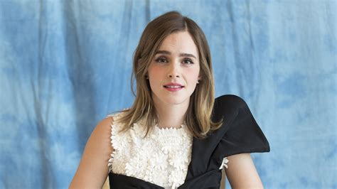 emma watson singing autotune emma watson asks facebook for help finding her lost ring