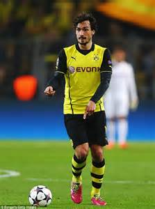 mats hummels to joining manchester united from