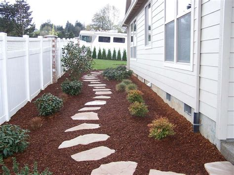 backyard ground cover options 1000 images about landscaping with mulch drought