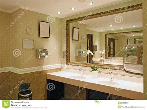 stanze da bagno di lusso stanza da bagno di lusso immagine stock immagine di hotel