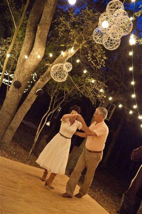 Backyard Wedding No Floor Charming Wedding D 233 Cor For Backyard Weddings Paperblog