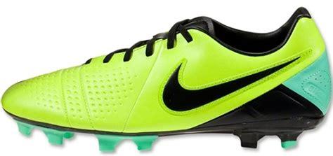 Sepatu Bola Nike Ctr360 Libretto Iii Fg nike ctr360 libretto iii