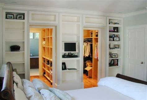 master bedroom    walk  closets