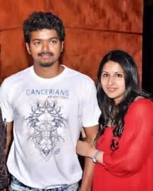 actor vijay with his wife sangeetha latest family photos