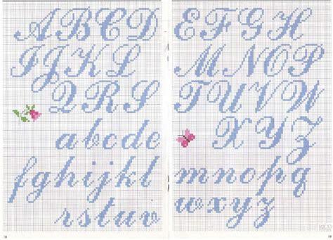 lettere in corsivo a punto croce magliamagia schemi punto croce alfabeti