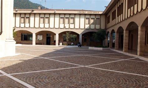 centro ufficio lumezzane pavimenti esterni freccia rossa skyline brescia appia antica